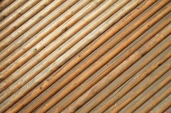 Ο καφετής ξύλινος τοίχος, υπόβαθρο, ξύλινη σύσταση στοκ εικόνες με δικαίωμα ελεύθερης χρήσης