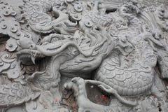Ο κινεζικός δράκος χαράζει στοκ φωτογραφία με δικαίωμα ελεύθερης χρήσης