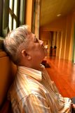 Ο κοιμισμένος του ηληκιωμένου Στοκ φωτογραφίες με δικαίωμα ελεύθερης χρήσης