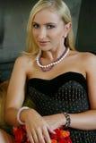 ο κορσές ανθίζει το κορίτσι Στοκ φωτογραφία με δικαίωμα ελεύθερης χρήσης