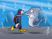 Ο κολυμβητής συναντά τον καρχαρία Στοκ Εικόνα