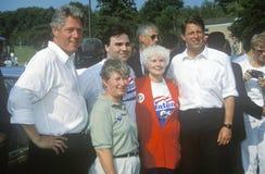 Ο κυβερνήτης Bill Clinton και γερουσιαστής Αλ Γκορ θέτει για μια εικόνα κατά τη διάρκεια του Clinton/του γύρου εκστρατείας Great  Στοκ Φωτογραφίες