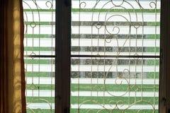 Ο κυρτοί χάλυβας και louver στοκ φωτογραφία με δικαίωμα ελεύθερης χρήσης