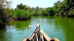 Ο κυρτός κολπίσκος του ποταμού Kangy, Chaung Tha, το Μιανμάρ απόθεμα βίντεο