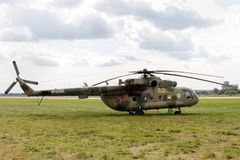 Ο κόσμος ` s το περισσότερο επικρατόν δίδυμου κινητήρα ελικόπτερο mi-8 μέσα Στοκ Εικόνες