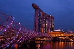 Ο κόλπος μαρινών στρώνει με άμμο το ξενοδοχείο στη Σιγκαπούρη το βράδυ Στοκ φωτογραφίες με δικαίωμα ελεύθερης χρήσης