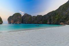 Ο κόλπος της Maya είναι κολυμπώντας με αναπνευτήρα λιμνοθάλασσα γύρου σημείου διάσημη Phi Phi στα νησιά, Krabi, Ταϊλάνδη Στοκ εικόνες με δικαίωμα ελεύθερης χρήσης