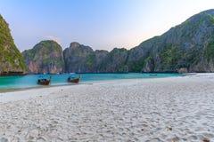 Ο κόλπος της Maya είναι κολυμπώντας με αναπνευτήρα λιμνοθάλασσα γύρου σημείου διάσημη Phi Phi στα νησιά, Krabi, Ταϊλάνδη Στοκ Εικόνα