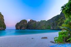 Ο κόλπος της Maya είναι κολυμπώντας με αναπνευτήρα λιμνοθάλασσα γύρου σημείου διάσημη Phi Phi στα νησιά, Krabi, Ταϊλάνδη Στοκ φωτογραφίες με δικαίωμα ελεύθερης χρήσης