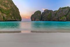 Ο κόλπος της Maya είναι κολυμπώντας με αναπνευτήρα λιμνοθάλασσα γύρου σημείου διάσημη Phi Phi στα νησιά, Krabi, Ταϊλάνδη Στοκ Εικόνες