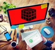 Ο κύβος χωρίζει σε τετράγωνα την έννοια σκέψης μυαλού λογικής διάστασης Στοκ Εικόνες