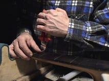 Ο κύριος αφαιρεί τους υπερβολικούς μαιάνδρους στοκ εικόνα με δικαίωμα ελεύθερης χρήσης