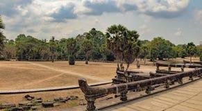 Ο κύριος δρόμος στο Angkor Wat, Siem συγκεντρώνει, Καμπότζη Στοκ Εικόνες