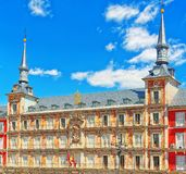Ο κύριος τετραγωνικός δήμαρχος Plaza με τους τουρίστες και τους ανθρώπους, ήταν χτισμένο du Στοκ εικόνα με δικαίωμα ελεύθερης χρήσης