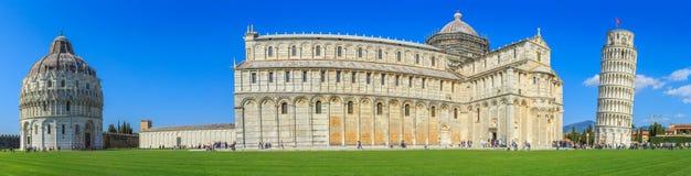 Ο κλίνοντας πύργος της Πίζας είναι το καμπαναριό, ή??????????? πύργος κουδουνιών, του καθεδρικού ναού της ιταλικής πόλης της Πίζα Στοκ Εικόνα