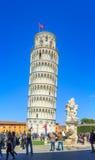 Ο κλίνοντας πύργος της Πίζας είναι το καμπαναριό, ή??????????? πύργος κουδουνιών, του καθεδρικού ναού της ιταλικής πόλης της Πίζα Στοκ εικόνα με δικαίωμα ελεύθερης χρήσης
