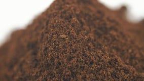 Ο λειωμένη καφές ή η σοκολάτα βρίσκεται απομονωμένος στον πίνακα Το πλαίσιο περιστρέφεται δεξιόστροφα απόθεμα βίντεο