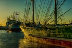 Ο λιμένας του Αμβούργο πλέοντας σκάφος Στοκ φωτογραφία με δικαίωμα ελεύθερης χρήσης