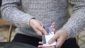 Ο μάγος παρουσιάζει τέχνασμα με τα χρήματα φιλμ μικρού μήκους