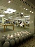 Ο μαγαζί λιανικής πώλησης της Apple στο Λα Στοκ εικόνα με δικαίωμα ελεύθερης χρήσης