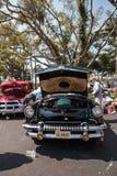 Ο μαύρος υδράργυρος Monterey του 1954 μετατρέψιμο στο 32$ο ετήσιο κλασικό αυτοκίνητο αποθηκών της Νάπολης παρουσιάζει στοκ φωτογραφίες με δικαίωμα ελεύθερης χρήσης