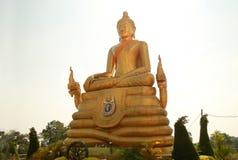 Ο μεγάλος Βούδας στο ναό της Ταϊλάνδης Στοκ φωτογραφίες με δικαίωμα ελεύθερης χρήσης