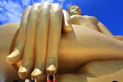 Ο μεγάλος Βούδας στο wat Muang, Ταϊλάνδη Στοκ Εικόνα