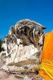 Ο μεγάλος ξαπλώνοντας Βούδας σε Wat Lokayasutharam Στοκ Φωτογραφία