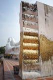 Ο μεγαλύτερος υπαίθριος ξαπλώνοντας Βούδας στην Ταϊλάνδη σε Wat Satue, Π Στοκ εικόνα με δικαίωμα ελεύθερης χρήσης