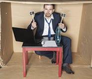 Ο μεθυσμένος επιχειρηματίας καυχάται τις αποδοχές Στοκ Εικόνες