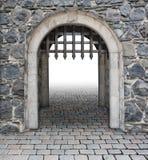 Ο μεσαιωνικός κεντρικός αγωγός κάστρων εισάγεται Στοκ εικόνα με δικαίωμα ελεύθερης χρήσης