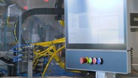 Ο μεταφορέας στην παραγωγή, η εργασία της τεχνολογίας συσκευασίας απόθεμα βίντεο