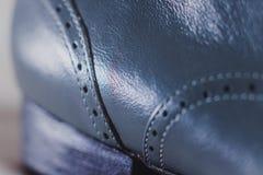 Ο μοντέρνος Μαύρος επανδρώνει τα επεξεργασμένα παπούτσια για το χορό αιθουσών χορού Στοκ εικόνα με δικαίωμα ελεύθερης χρήσης