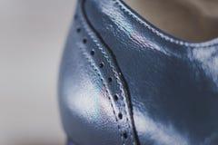 Ο μοντέρνος Μαύρος επανδρώνει τα επεξεργασμένα παπούτσια για το χορό αιθουσών χορού Στοκ Εικόνα