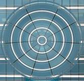 Ο μπλε κύκλος των παραμορφωμένων παραθύρων στοκ φωτογραφία