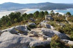 Ο μπλε παράδεισος θάλασσας και νησιών από τη δύσκολη άποψη Στοκ Εικόνες