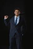 Ο νέος επιχειρηματίας με παραδίδει το ρόπαλο του μπέιζμπολ και την εξέταση εκμετάλλευσης τσεπών τη κάμερα Στοκ Εικόνες