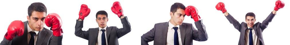 Ο νέος επιχειρηματίας με τα γάντια κιβωτίων που απομονώνεται στο λευκό Στοκ Εικόνες