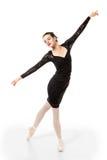 Ο νέος χορευτής μπαλέτου σε κομψό θέτει στοκ φωτογραφίες