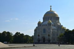Ο ναυτικός καθεδρικός ναός Άγιου Βασίλη σε Kronstadt στοκ εικόνες με δικαίωμα ελεύθερης χρήσης