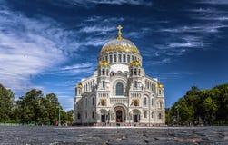 Ο ναυτικός καθεδρικός ναός Άγιου Βασίλη σε Kronstadt στοκ εικόνες
