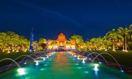 Ο ναός στη νύχτα στοκ εικόνα