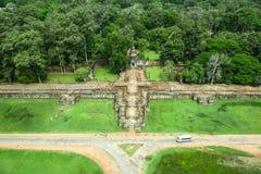 Ο ναός δώδεκα BA Phoun πεζουλιών ελεφάντων κυρία tample Byon Tample Bakheng τοποθετεί Angkor wat siem συγκεντρώνει το βασίλειο τη Στοκ Εικόνες