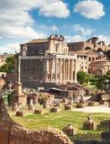 Ο ναός Antoninus και Faustina, Ρώμη, Ιταλία Στοκ Εικόνα