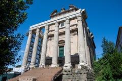 Ο ναός Antoninus Pius και Faustina Στοκ Φωτογραφίες