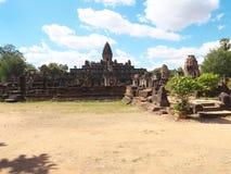 Ο ναός Bakong σε Siem συγκεντρώνει, Καμπότζη Στοκ Εικόνα