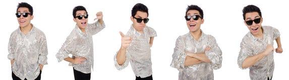 Ο νεαρός άνδρας πουκάμισο που απομονώνεται στο ασημένιο στο λευκό στοκ φωτογραφία με δικαίωμα ελεύθερης χρήσης