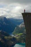 Ο νεαρός άνδρας επάνω Στοκ Εικόνες