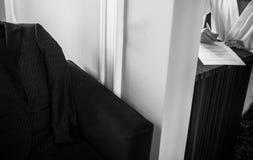 Ο νεόνυμφος γράφει μια επιστολή στην αγαπημένη νύφη του Στοκ Φωτογραφία