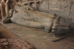 Ο ξαπλώνοντας Βούδας χάρασε από το βράχο, Polonnaruwa, SR Στοκ Φωτογραφία